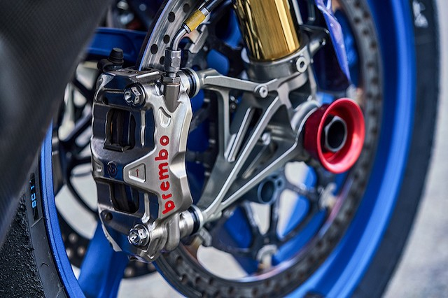 Brakes - New for 2020, we are using Brembo calipers and discs both front and rear with SBS brake pads. For the rear brake both riders now use a standard foot rear brake and BMX style hand brake linked through a special dual master cylinder and HEL brake hoses.